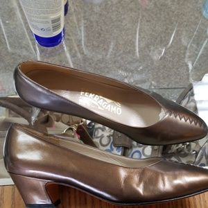 Salvatore Ferragamo bronze pumps 7 B